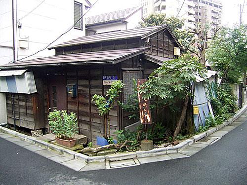 渋谷区伊達町の家