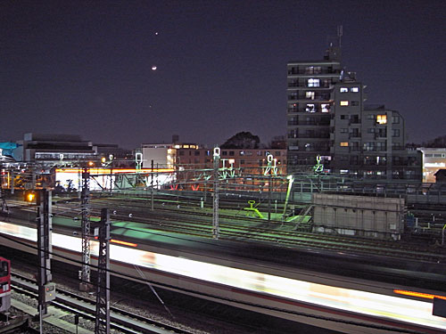 交通局車両基地の夜景