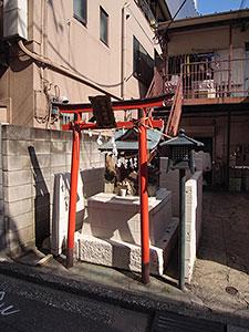 水元稲荷神社(三田)
