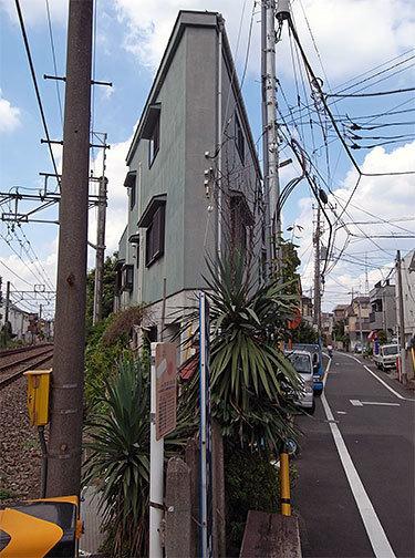 鋭角の家(鷺宮)