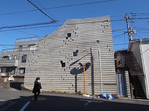 小さい窓の家(西原)