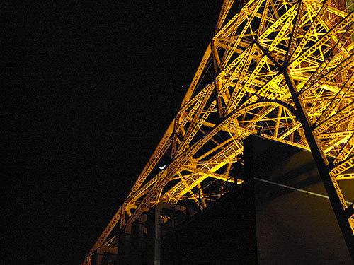 三日月と金星と東京タワー