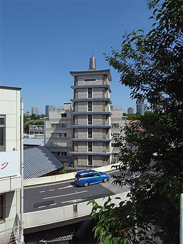 一行院の仏舎利塔