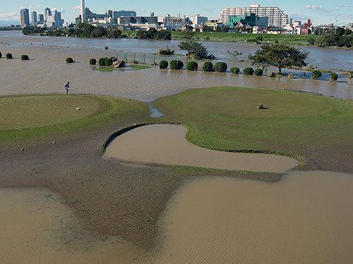 川崎リバーサイドゴルフ場