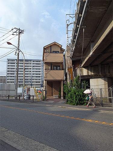 薄い家(中原区市ノ坪)