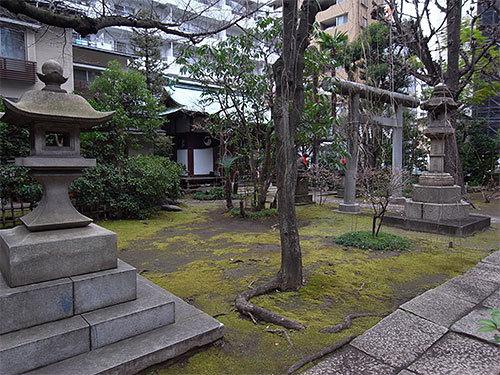 於岩稲荷田宮神社(新川)