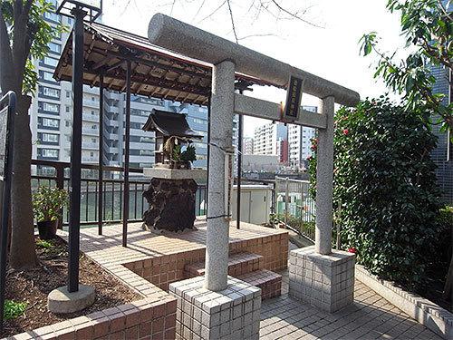 徳船稲荷神社(新川)