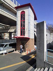 エレベーター付歩道橋