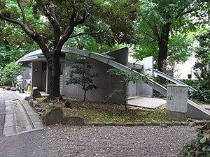 日比谷公園霞門横のトイレ