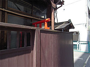 鵜澤商店(西神田)鳥居