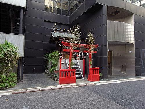 伏見稲荷神社(八重洲)