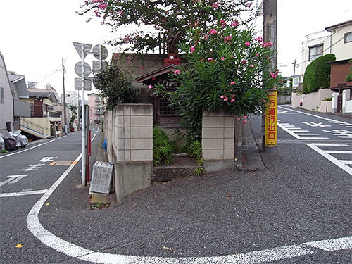 猿坂の祠(上池台)