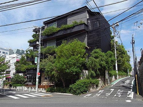 トランクホテル(神宮前)