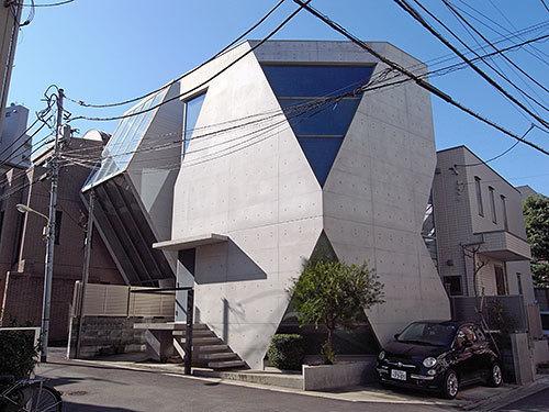 三角窓の家(恵比寿)