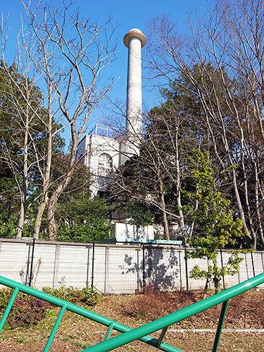 東京学芸大学附属高校の煙突