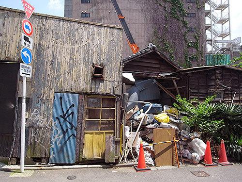六本木7丁目の廃屋
